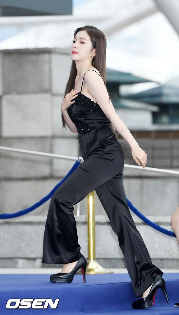 Thảm xanh khủng nhất hội tụ hơn 70 sao Hàn: Sao nhí lột xác khó tin, TWICE lòe loẹt đối đầu Red Velvet sexy - Ảnh 1.