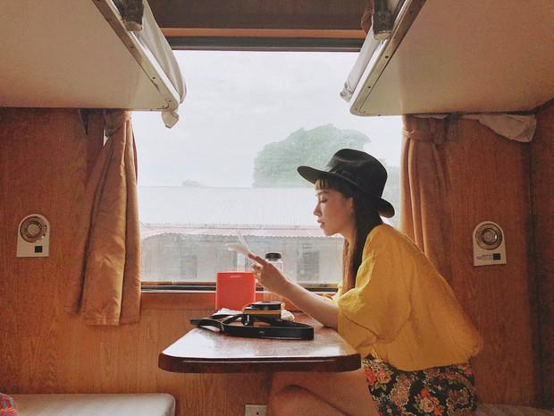 Đi du lịch thôi mà Salim, Jolie Nguyễn, Cao Thiên Trang... lên đồ xinh và nổi hết phần người khác - Ảnh 1.