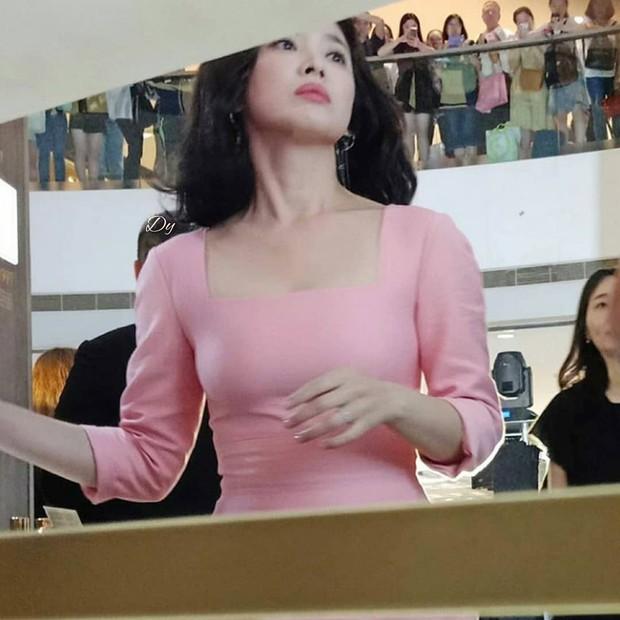 Ngược đời nhan sắc mỹ nhân Hàn: Ảnh chính thức bị dìm như thảm họa, hình chụp vội thì đẹp đỉnh cao - Ảnh 5.