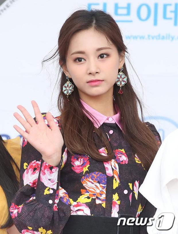 Thảm xanh khủng nhất hội tụ hơn 70 sao Hàn: Sao nhí lột xác khó tin, TWICE lòe loẹt đối đầu Red Velvet sexy - Ảnh 15.