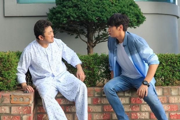 5 phim Hàn hot nhất phòng vé tháng 9: Chị đẹp Son Ye Jin đối đầu Jo In Sung, Hyun Bin - Ảnh 24.
