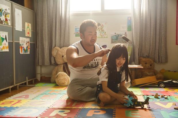 5 phim Hàn hot nhất phòng vé tháng 9: Chị đẹp Son Ye Jin đối đầu Jo In Sung, Hyun Bin - Ảnh 26.