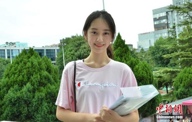 Không hổ danh là cái nôi của điện ảnh Trung Quốc, nhan sắc tân sinh viên Học viện Điện ảnh Bắc Kinh ai cũng vào hàng cực phẩm - Ảnh 5.