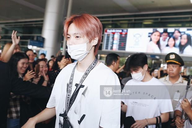 Nữ thần lai Nancy gây sốt vì quá đẹp, MOMOLAND và Monsta X khiến sân bay Tân Sơn Nhất vỡ trận - Ảnh 18.