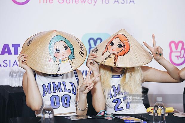 Mỹ nhân MOMOLAND đẹp vượt mặt nữ thần lai Nancy, Monsta X phanh ngực siêu hot tại fansign Việt Nam đầu tiên - Ảnh 22.