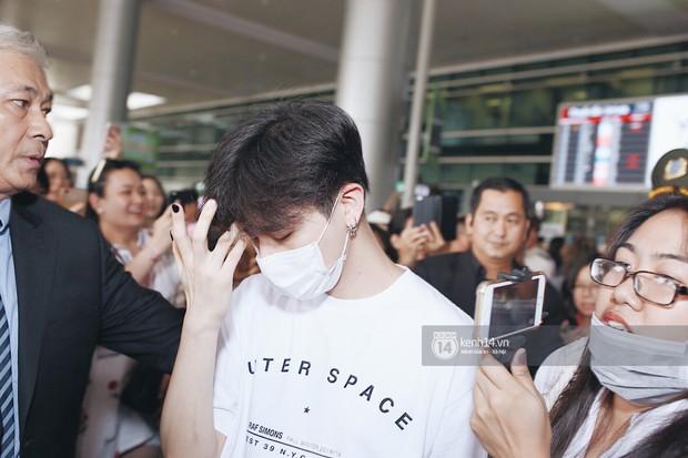Nữ thần lai Nancy gây sốt vì quá đẹp, MOMOLAND và Monsta X khiến sân bay Tân Sơn Nhất vỡ trận - Ảnh 24.