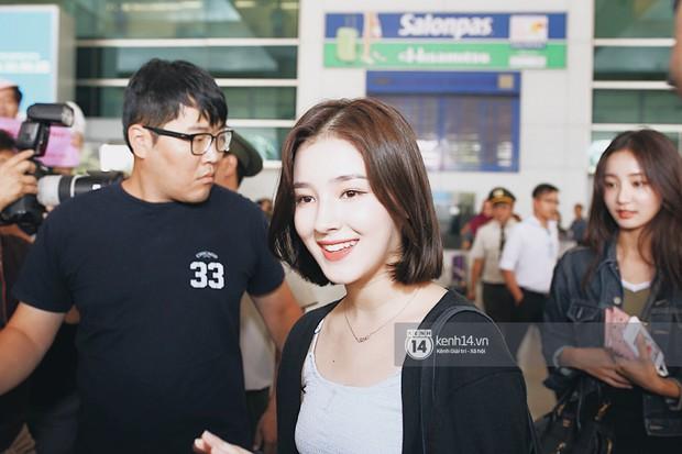 Nữ thần lai Nancy gây sốt vì quá đẹp, MOMOLAND và Monsta X khiến sân bay Tân Sơn Nhất vỡ trận - Ảnh 1.