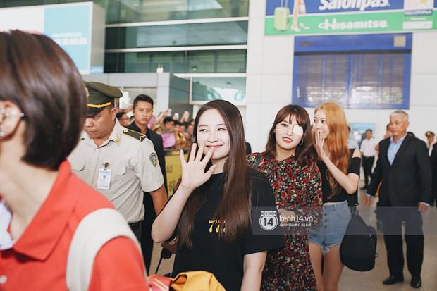 Nữ thần lai Nancy gây sốt vì quá đẹp, MOMOLAND và Monsta X khiến sân bay Tân Sơn Nhất vỡ trận - Ảnh 7.