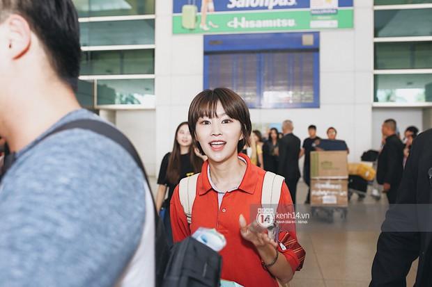 Nữ thần lai Nancy gây sốt vì quá đẹp, MOMOLAND và Monsta X khiến sân bay Tân Sơn Nhất vỡ trận - Ảnh 14.