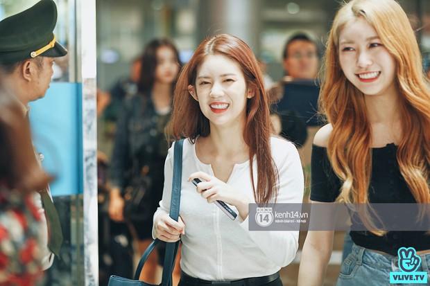 Nữ thần lai Nancy gây sốt vì quá đẹp, MOMOLAND và Monsta X khiến sân bay Tân Sơn Nhất vỡ trận - Ảnh 13.