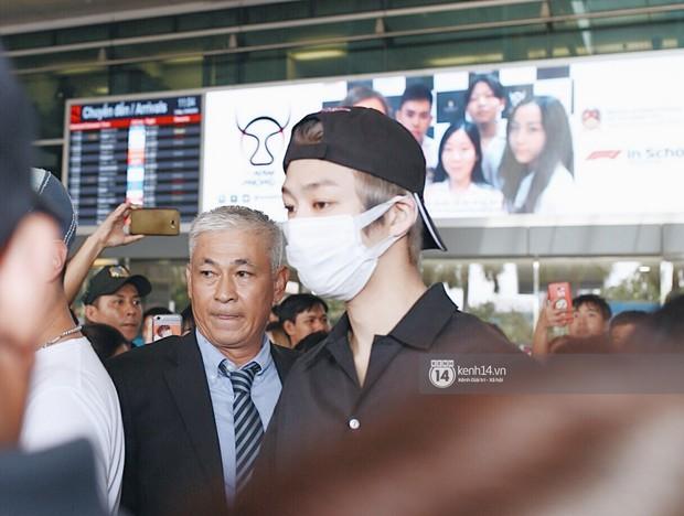 Nữ thần lai Nancy gây sốt vì quá đẹp, MOMOLAND và Monsta X khiến sân bay Tân Sơn Nhất vỡ trận - Ảnh 23.
