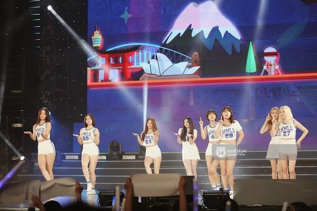 MOMOLAND quẩy hết cỡ với 2 hit trăm triệu view bên Monsta X, Thu Minh và Tóc Tiên đẳng cấp trong show Hàn-Việt - Ảnh 7.