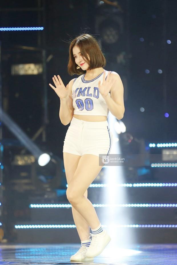 MOMOLAND quẩy hết cỡ với 2 hit trăm triệu view bên Monsta X, Thu Minh và Tóc Tiên đẳng cấp trong show Hàn-Việt - Ảnh 9.
