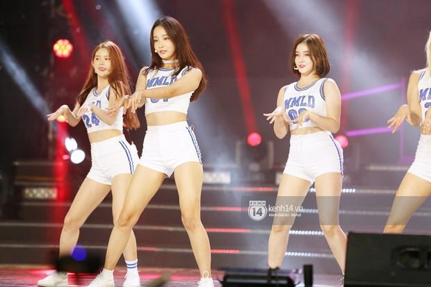 MOMOLAND quẩy hết cỡ với 2 hit trăm triệu view bên Monsta X, Thu Minh và Tóc Tiên đẳng cấp trong show Hàn-Việt - Ảnh 16.