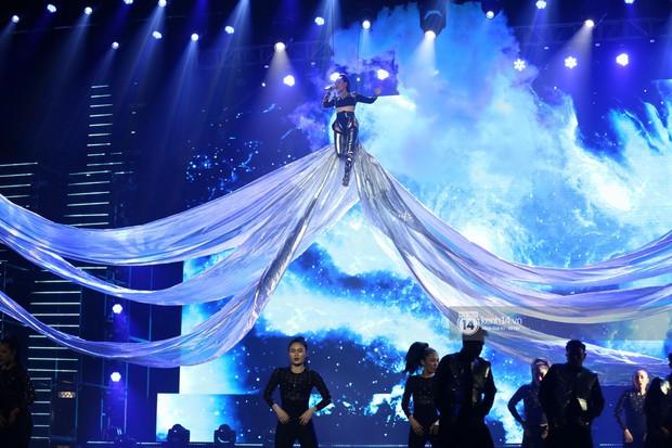 MOMOLAND quẩy hết cỡ với 2 hit trăm triệu view bên Monsta X, Thu Minh và Tóc Tiên đẳng cấp trong show Hàn-Việt - Ảnh 25.
