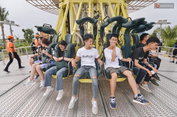 Here We Go: Jolie Nguyễn, Tôn Kinh Lâm, Alex Fox... cắn răng không la hét khi chơi trò cảm giác mạnh - Ảnh 2.