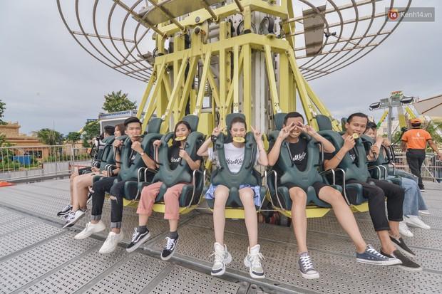 Here We Go: Jolie Nguyễn, Tôn Kinh Lâm, Alex Fox... cắn răng không la hét khi chơi trò cảm giác mạnh - Ảnh 4.