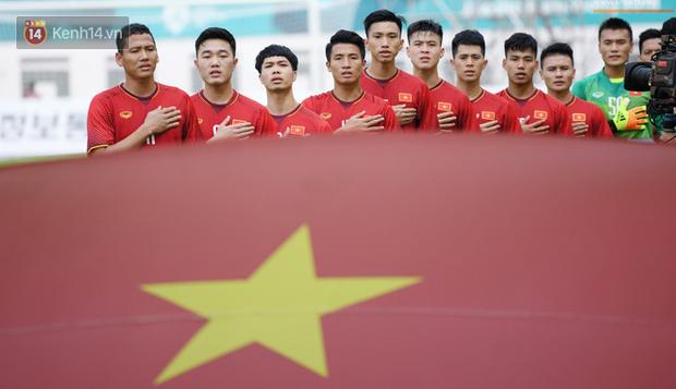 Olympic Việt Nam về nước đúng ngày Quốc khánh 2-9 - Ảnh 1.