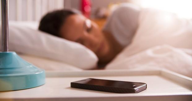 Ai nghiện smartphone nên tham khảo những biện pháp này để bảo vệ mắt - Ảnh 6.