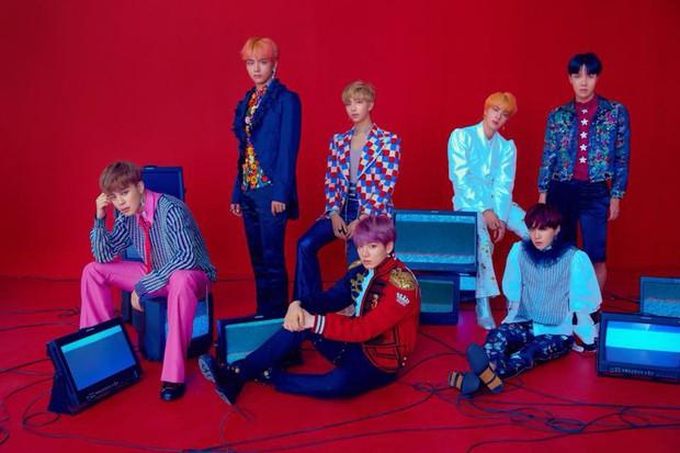 Doanh số tuần đầu không vượt triệu bản, album mới của BTS đành ngậm ngùi xếp sau đối thủ này - Ảnh 1.