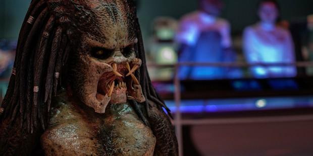 Quái vật vô hình The Predator xí trai hú vía trong trailer nóng hổi gắn mác R - Ảnh 2.