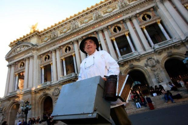 Vì sao người Paris nuôi ong lấy mật trên mái vòm những tòa nhà đông khách nhất thành phố này? - Ảnh 3.