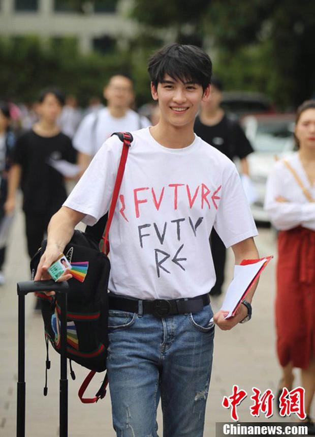Không hổ danh là cái nôi của điện ảnh Trung Quốc, nhan sắc tân sinh viên Học viện Điện ảnh Bắc Kinh ai cũng vào hàng cực phẩm - Ảnh 2.