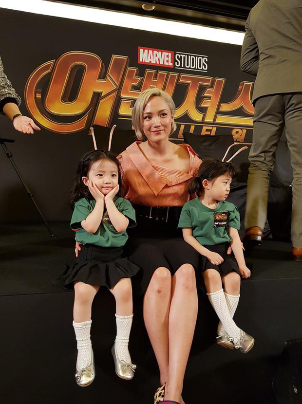 2 nhóc tỳ sinh đôi mới nổi đã xâm chiếm MXH Hàn Quốc vì dễ thương và sở hữu gu ăn mặc siêu chất - Ảnh 6.