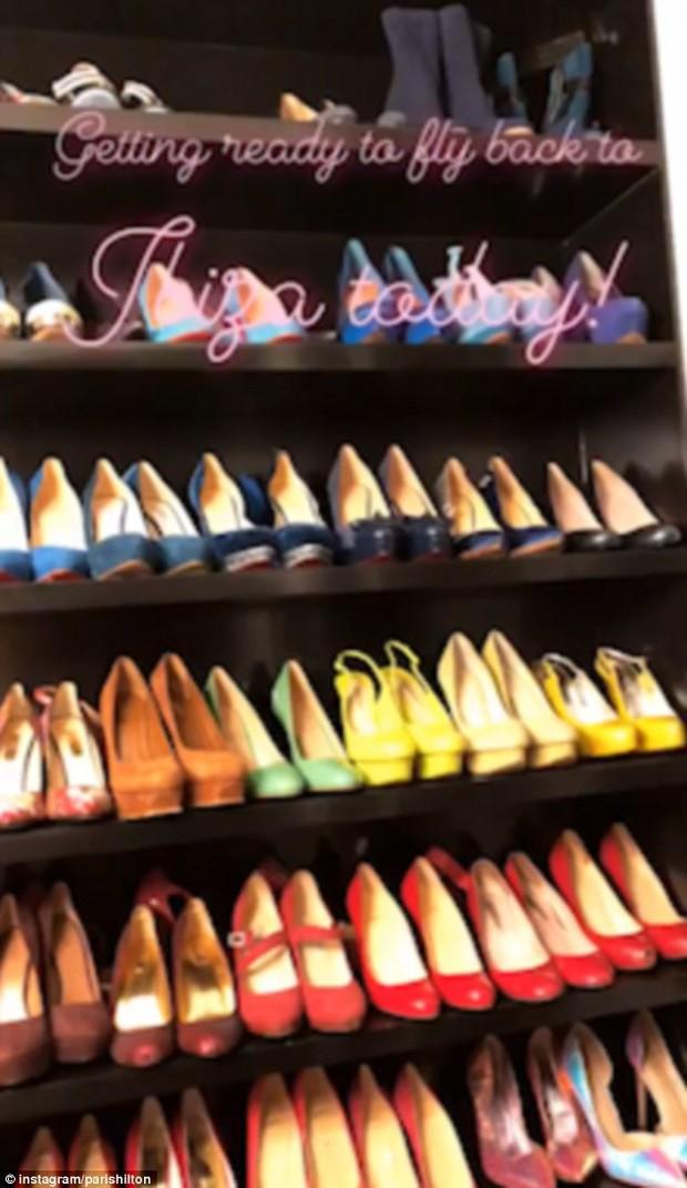 Paris Hilton làm mọi cô gái ghen tị với BST giày khủng nằm trong phòng chứa quần áo trị giá 23 tỷ đồng - Ảnh 2.