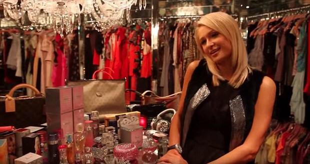 Paris Hilton làm mọi cô gái ghen tị với BST giày khủng nằm trong phòng chứa quần áo trị giá 23 tỷ đồng - Ảnh 3.