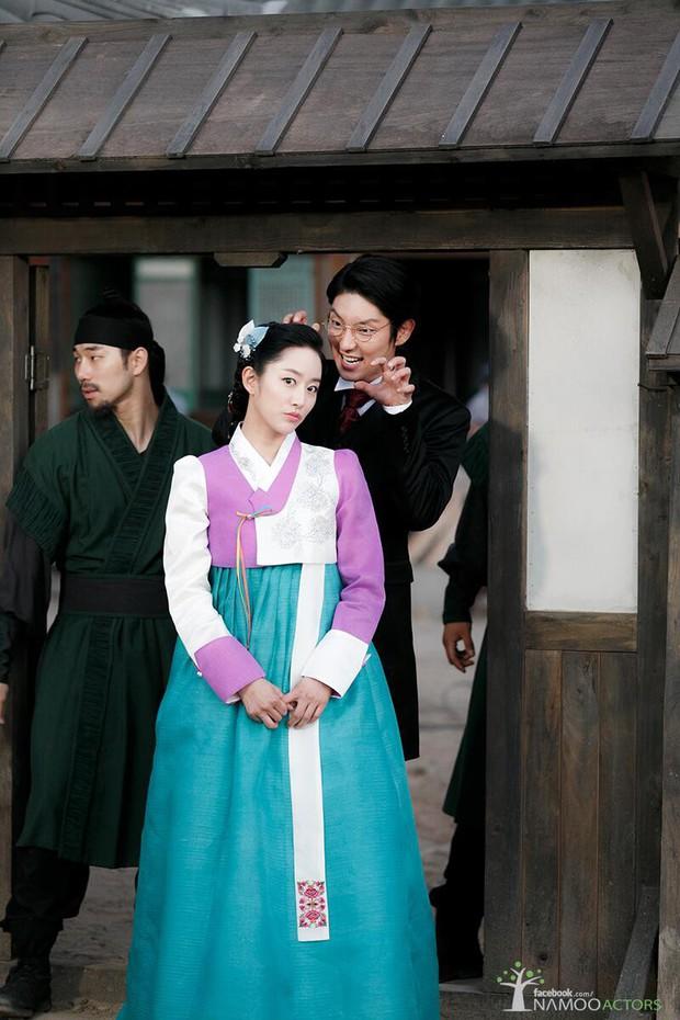 4 cặp đôi Hàn bị tung chứng cứ vẫn chối bay chuyện phim giả tình thật: Người nói dối, kẻ đáp trả quá gắt - Ảnh 4.