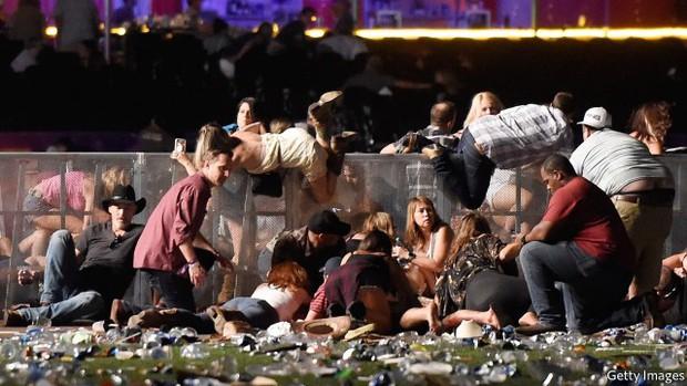 Mỹ chính thức khép lại cuộc điều tra thảm kịch xả súng đẫm máu ở Las Vegas - Ảnh 1.