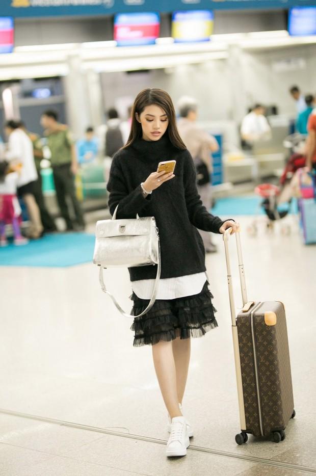 Không chỉ ở Việt Nam, cuộc sống của Hoa hậu con nhà giàu Jolie Nguyễn vừa xuất hiện trên báo Indonesia - Ảnh 2.