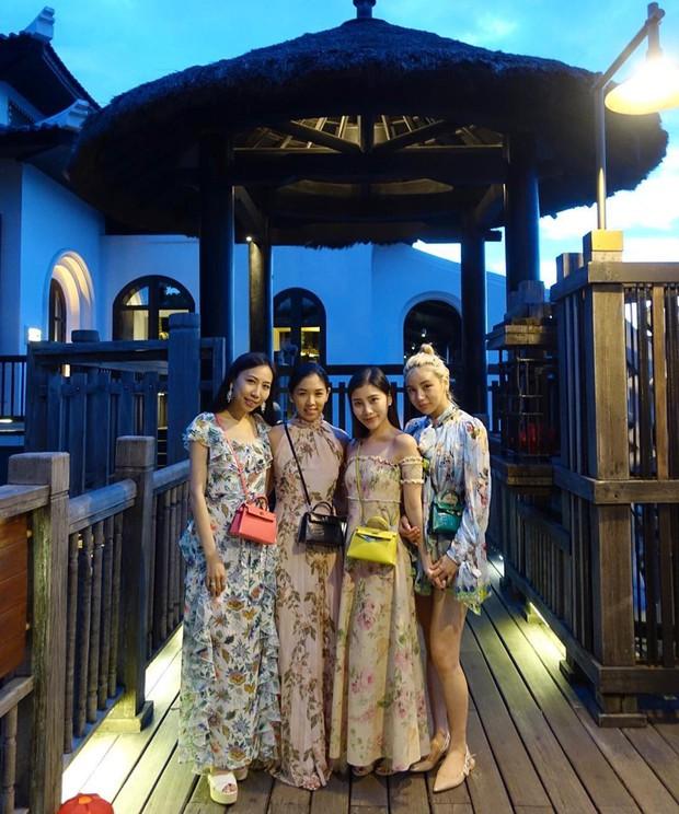 Tiểu thư xinh đẹp của tỷ phú Singapore Kim Lim bất ngờ check-in Đà Nẵng cùng hội bạn thân - Ảnh 4.