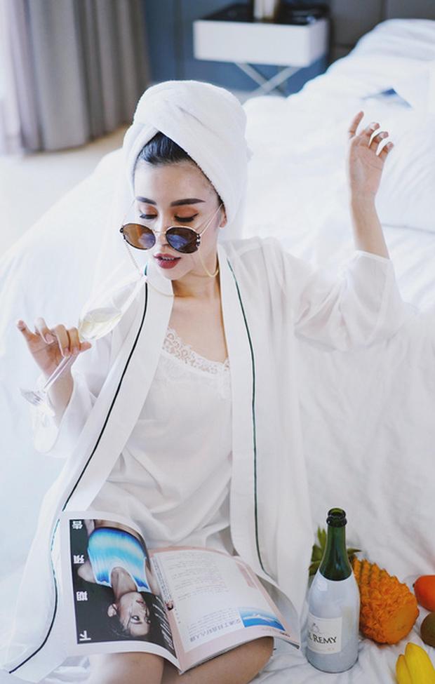 Hội bạn thân hot girl bỉm sữa lại gây bão mạng với khí chất sang chảnh, ảnh đẹp như bìa tạp chí - Ảnh 4.