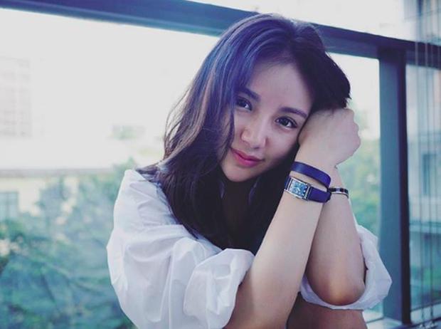 Tiểu thư xinh đẹp của tỷ phú Singapore Kim Lim bất ngờ check-in Đà Nẵng cùng hội bạn thân - Ảnh 8.