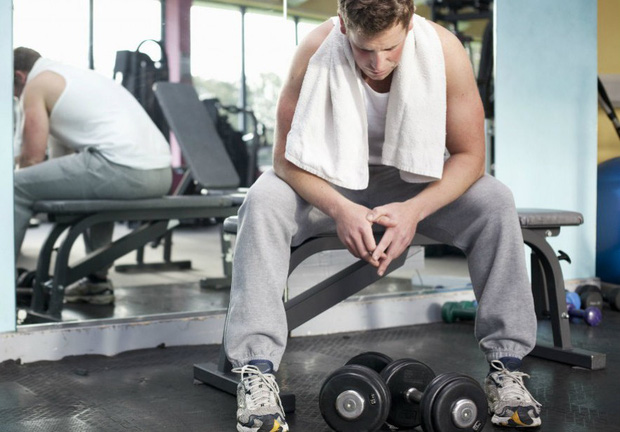 Cần bỏ ngay thói quen tập gym quá sức: đã không hiệu quả lại còn gây hại sức khỏe - Ảnh 3.