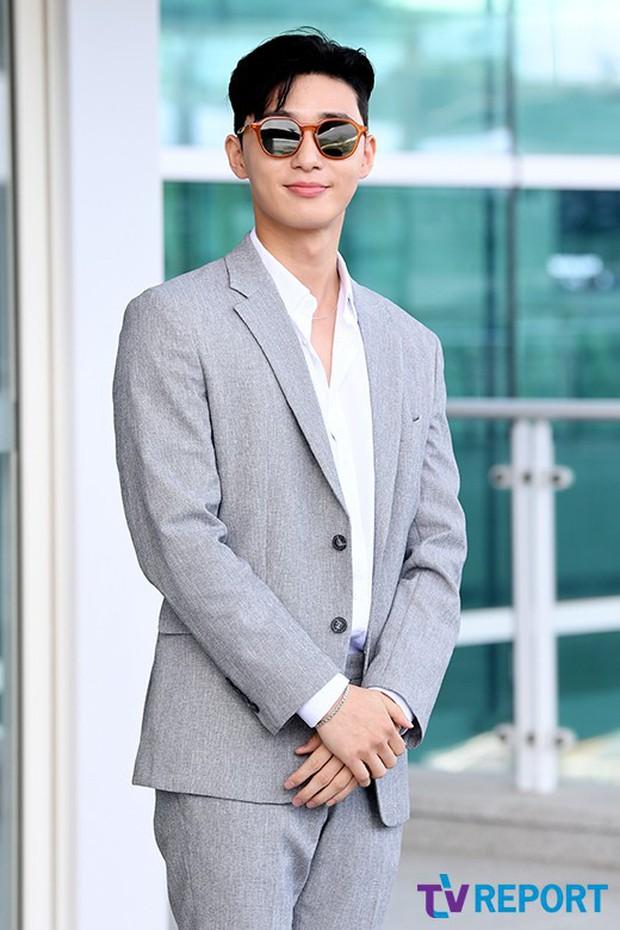 Park Seo Joon xuất hiện sau tin đồn hẹn hò lần đầu đẹp cực phẩm - Ảnh 9.