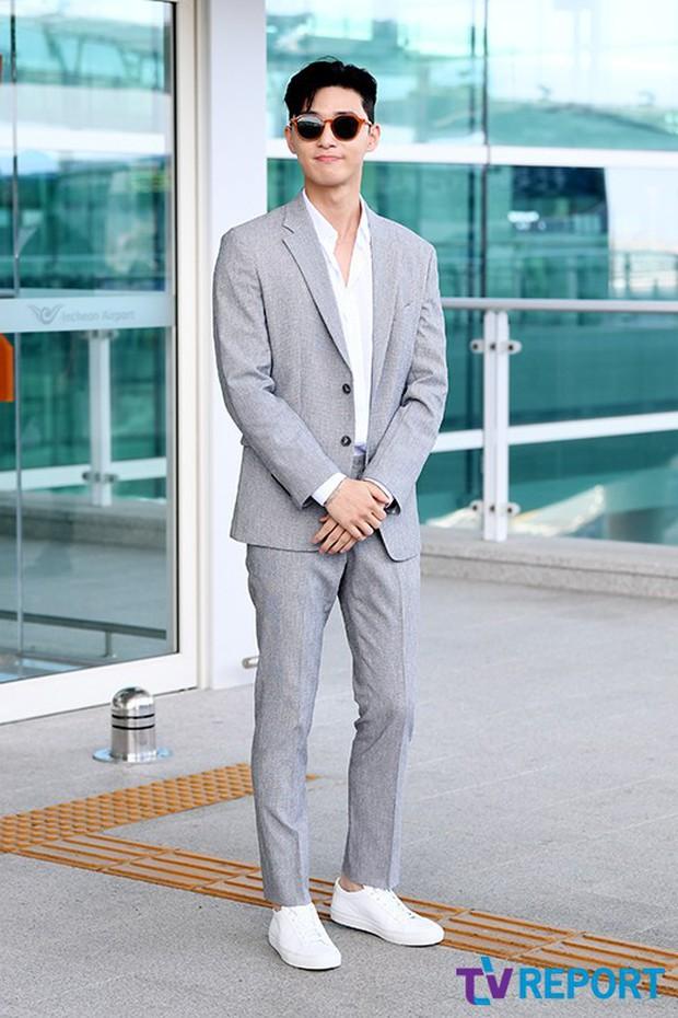 Park Seo Joon xuất hiện sau tin đồn hẹn hò lần đầu đẹp cực phẩm - Ảnh 6.