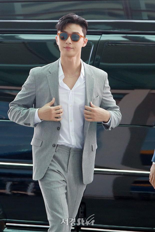 Park Seo Joon xuất hiện sau tin đồn hẹn hò lần đầu đẹp cực phẩm - Ảnh 4.