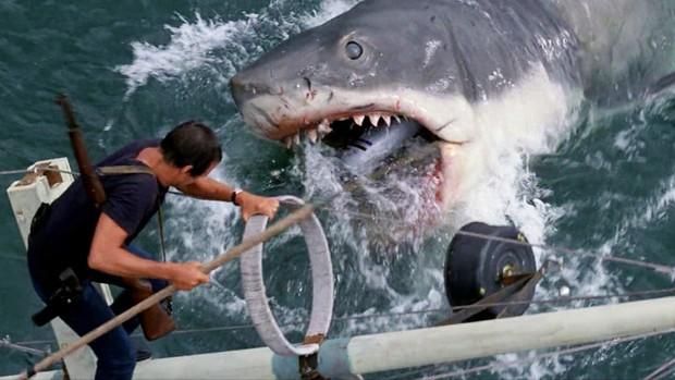 8 lần khoe nanh của lũ cá mập trên màn ảnh khiến người xem lạnh cả gáy - Ảnh 1.