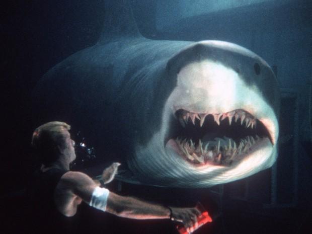 8 lần khoe nanh của lũ cá mập trên màn ảnh khiến người xem lạnh cả gáy - Ảnh 2.