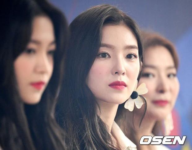 Nữ thần đẹp nhất SM trở lại với nhan sắc đỉnh cao, song điều gây sốt là khoảnh khắc cô lấp ló vòng 1 nóng bỏng - Ảnh 3.