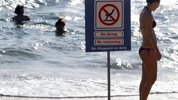 Ai Cập: Đi bơi ở vùng biển có cảnh báo nguy hiểm, nam du khách bị cá mập cắn chết - Ảnh 3.