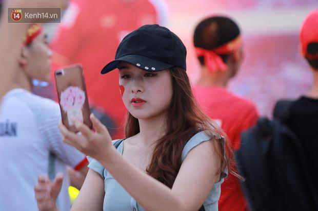 Nữ sinh ĐH Ngoại ngữ: U23 Việt Nam khó đòi món nợ ở Thường Châu - Ảnh 10.