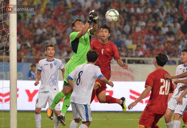 Hình ảnh đẹp, đầy xúc động của U23 Việt Nam sau khi lên ngôi giải Tứ hùng - Ảnh 12.