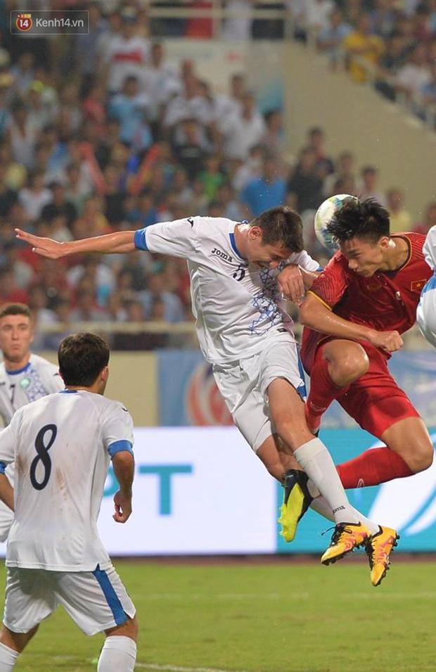 Hình ảnh đẹp, đầy xúc động của U23 Việt Nam sau khi lên ngôi giải Tứ hùng - Ảnh 11.