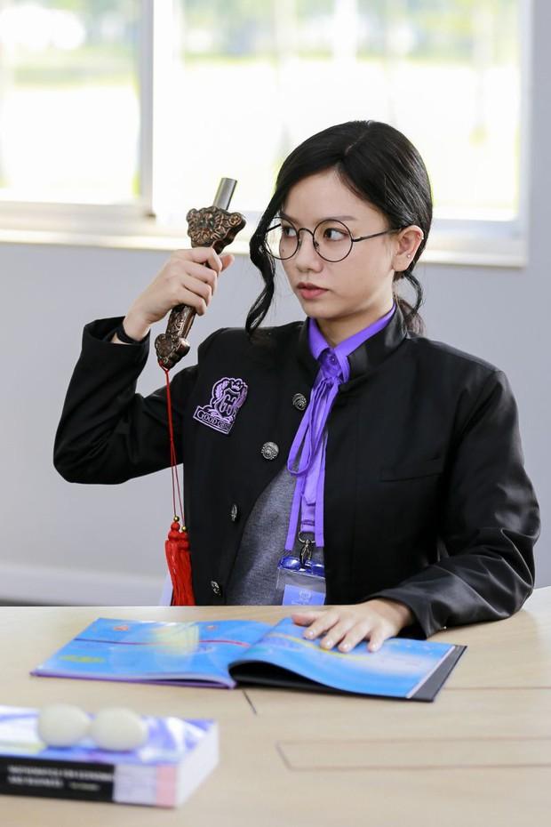 Điện ảnh Việt tháng 8 chính là màn ra sân của một loạt những gương mặt trẻ tay ngang lấn sân điện ảnh - Ảnh 9.