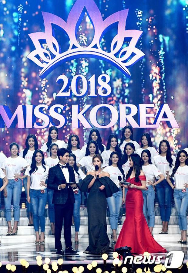 Hết lấn át dàn tân Hoa hậu, Á hậu Hàn Quốc, mỹ nhân Kpop lại gây náo loạn vì đôi chân bảo hiểm 10 tỉ quá nuột - Ảnh 13.