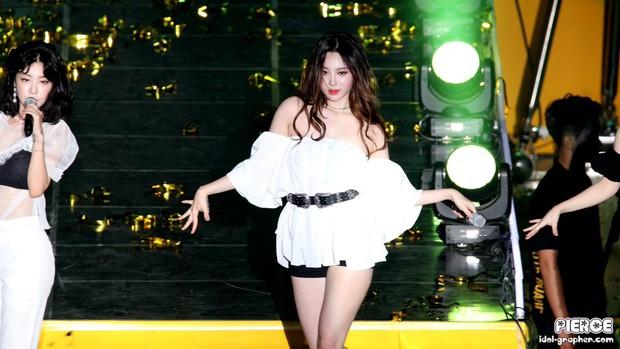 Hết lấn át dàn tân Hoa hậu, Á hậu Hàn Quốc, mỹ nhân Kpop lại gây náo loạn vì đôi chân bảo hiểm 10 tỉ quá nuột - Ảnh 8.